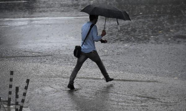 След бурния вятър: Дъжд и студ в цялата страна