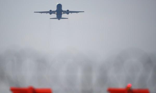 МВнР предупреди: Лондон отменя полети заради лошо време