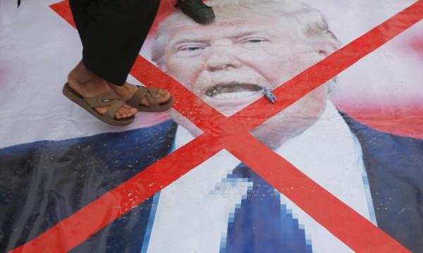 Кръстиха афганистантче Доналд Тръмп. Дали му помага?