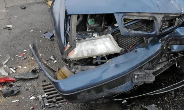 С опасност за живота: Мъж пострада тежко в катастрофа