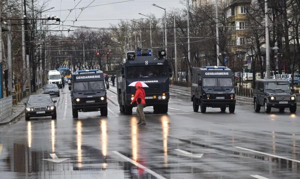 13 попаднаха в ареста преди ЦСКА – Левски