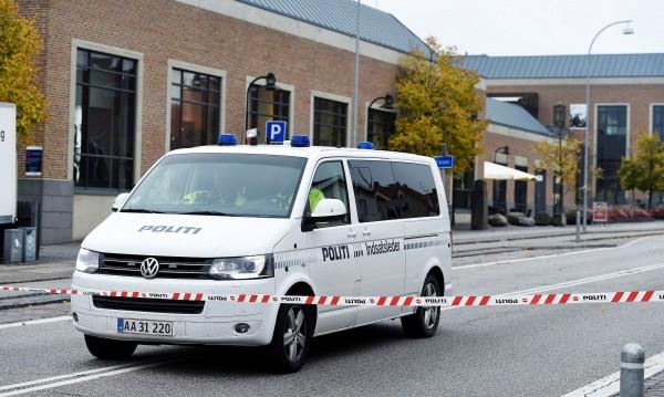 Запалителни бомби по посолството на Турция в Дания