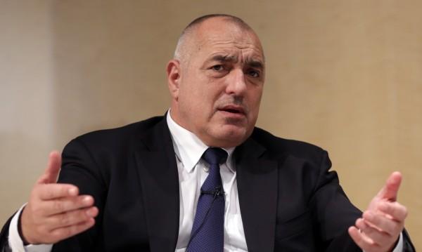 Борисов разпореди: 200 хил. чиновници на пътя – да дебнат ремонтите!