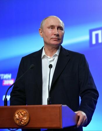 В средата на мандата Путин сменя отбора. Кой ще го смени?