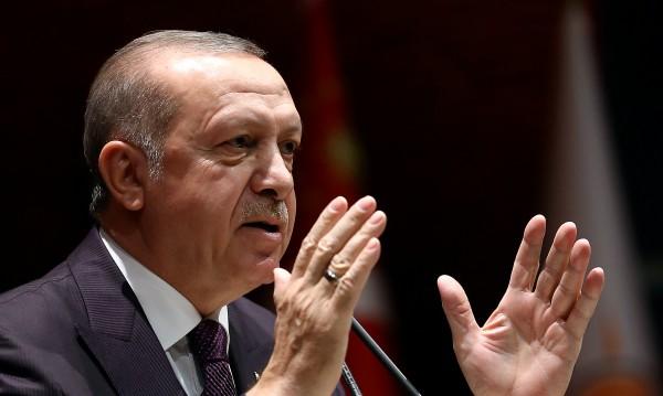 САЩ дали оръжия на терористи в Сирия, твърди Ердоган