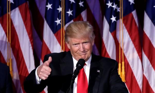"""Модел на """"Плейбой"""" си призна за интимна връзка с Тръмп"""