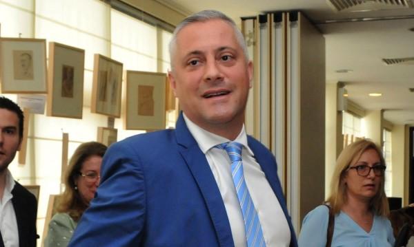 Бунт в СДС! Искат оставката на лидера си Лукарски
