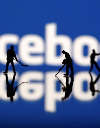 Учен, стоящ зад пробива на данните на FB: Изкупителна жертва съм