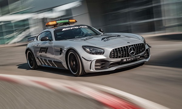Ф1 с най-бързата и най-мощна кола за сигурност