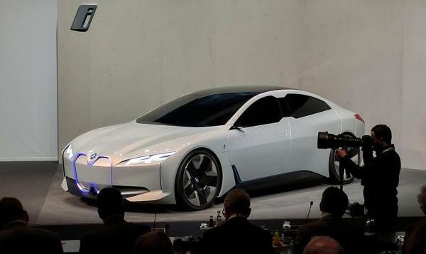 BMW с очаквания за рекордни продажби през 2018-а