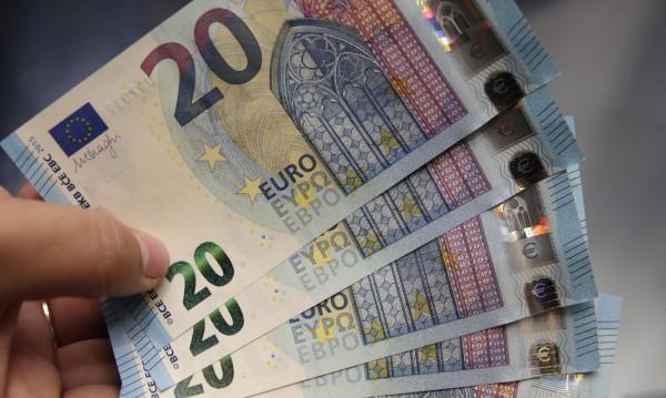 Разбиха банда за фалшиви пари, спипаха €500 000