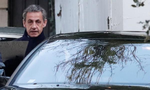 Саркози: От 2011 г. живея в ада на тази клевета!