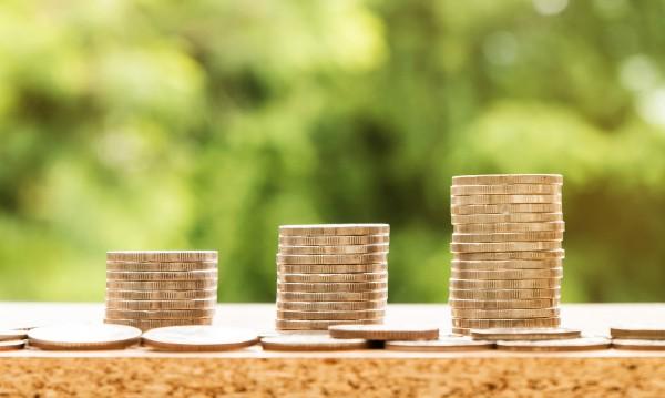 Пак на дъното в ЕС: Европеецът взима €23 на час, българинът – €5