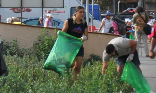 Да изчистим София! Общината дава чували и ръкавици