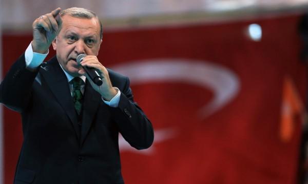Когато Ердоган говори, как евроехото заглъхва: Западът няма да ме поучава!