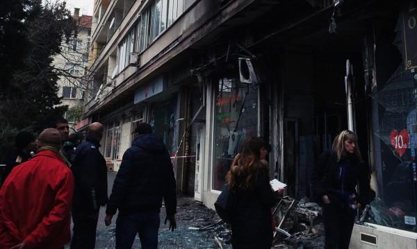 Пожар изпепели магазин в центъра на Стара Загора