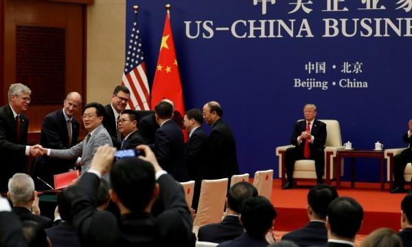 Китай и САЩ в тайни преговори за търговията