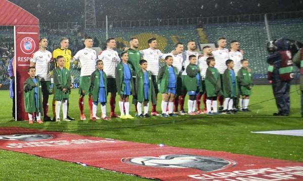 Слаба България би Казахстан с победен гол на Бодуров