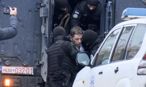 Напрежение между Белград и Прищина, 32 ранени при сблъсъци