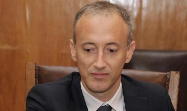Министър Вълчев: 1500 лева средна учителска заплата!