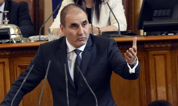 Цветанов за оставката на Гамишев: Достойна постъпка!