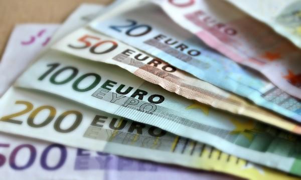 България с най-високите банкови такси за евро