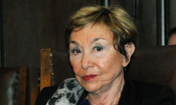 """От Швейцария за Юлия Кръстева: Тъмна """"празнина"""" в биографията й"""