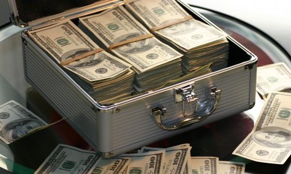 Те умеят да правят пари... Най-богатите зодии!