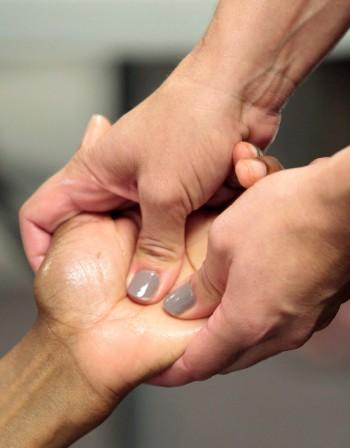 Уморихте ли се от уморените си ръце – позволете им релакс