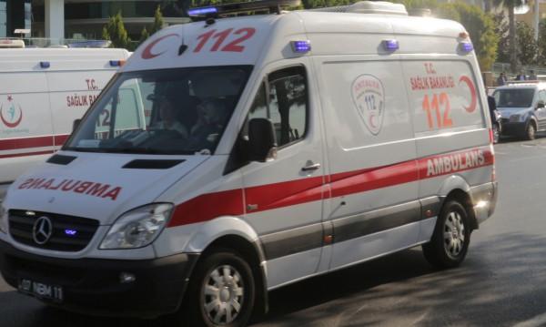 17 жертви при катастрофа на бус с бежанци в Турция