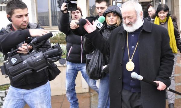 Синодът пред скандал! Галактион иска пак да е митрополит