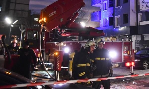 Пожар горя в блок в Сандански, евакуираха хората