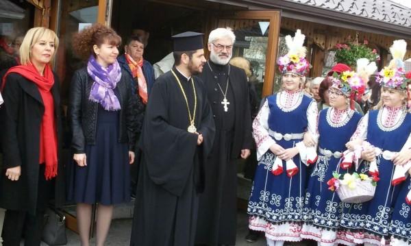 Манолова с призив към всеки: Добро дело за Великден!
