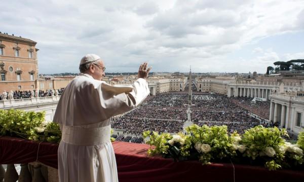 Папата на католическия Великден: Повече мир и солидарност!