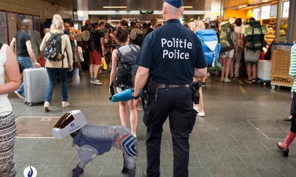"""Гордост на полицията: Роботи """"надушват"""" дрогата в Белгия"""