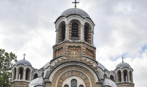 Българинът днес: Всеки втори вярва в Бог, но за църквата не е готов