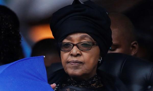 Почина бившата съпруга на Нелсън Мандела - Уини