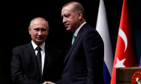Путин пристига в Турция за полагане на основите на АЕЦ