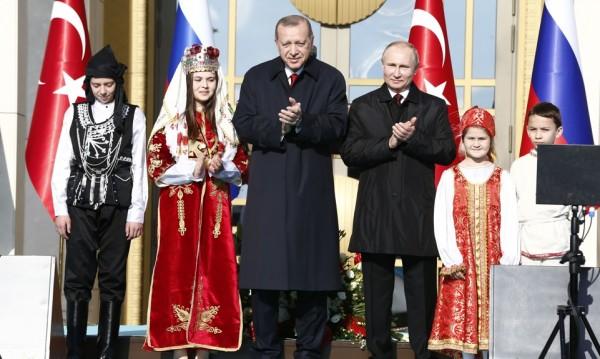 Путин и Ердоган говориха час и половина. Какво си казаха?