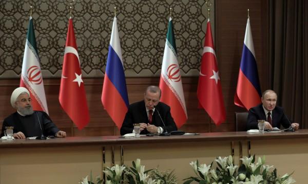 Русия, Иран и Турция обединяват усилия за Сирия