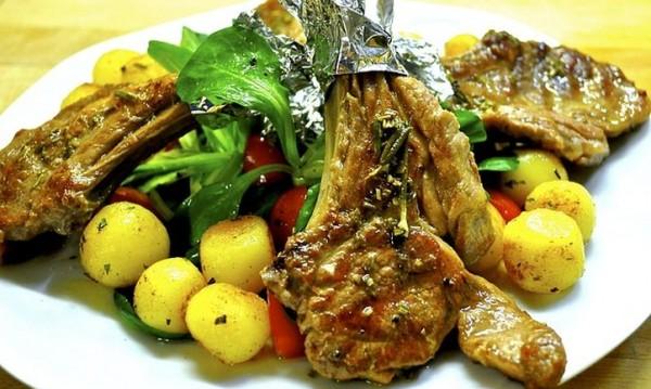 Рецептата Dnes: Агнешко със зеленчуци и мед