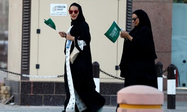 След дълга забрана: Отварят киносалони в Саудитска Арабия