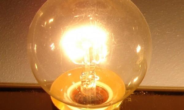 Износът на ток расте, у нас потреблението се свива