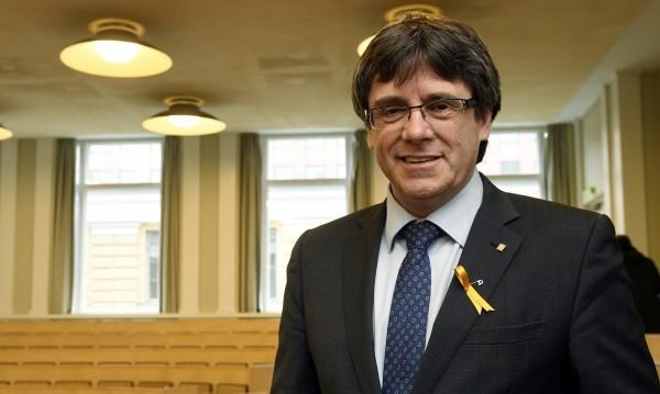 Пучдемон иска от Испания да уважава демокрацията