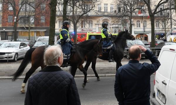Година от атентата с камион в Стокхолм, шведите помнят ада