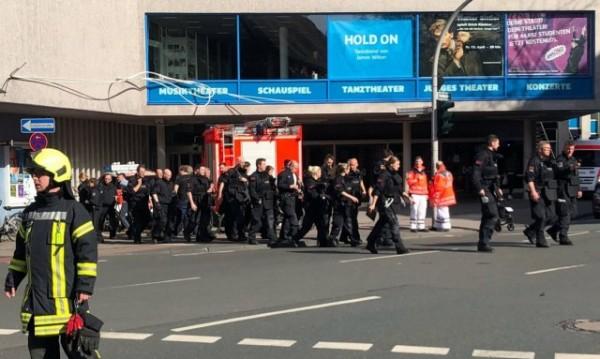 Ванът на атентатора в Мюнстер - пълен с експлозиви, търсят още двама