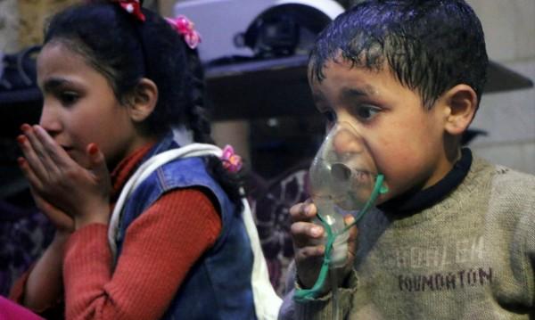 Лекуват над 500 жени и деца след атаката в Сирия. Русия: Фалшива новина!