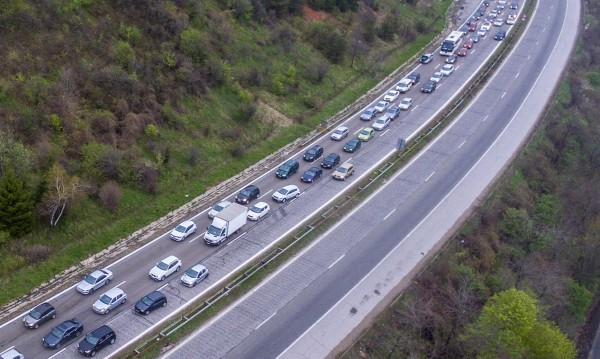 За голямото прибиране: Спират камионите от 14 часа