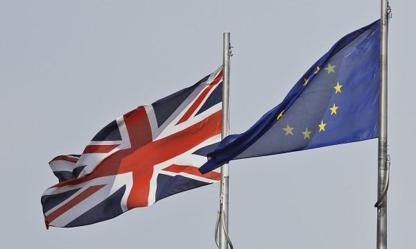 Британци вземат гражданство от ЕС заради Brexit