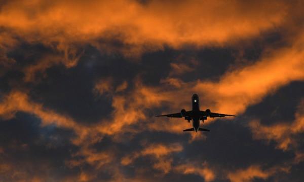 Предупредиха авиокомпаниите за възможни удари по Сирия